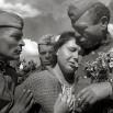_Дождалась_, 1945. Встреча с советскими воинами-освободителями..jpg